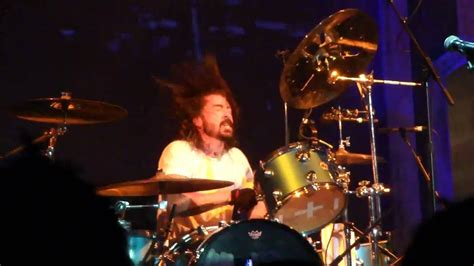 Dave Grohl drums - YouTube