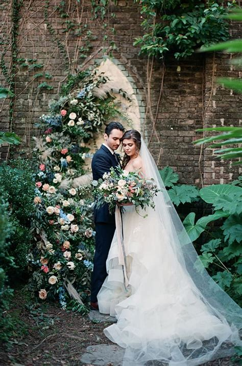 New Orleans Courtyard Wedding Inspiration | Southern Bride