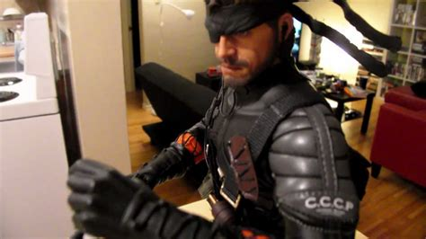 Hot Toys Metal Gear Big Boss Naked Snake 1/6 Scale Action