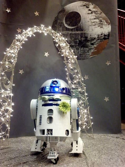 Star Wars Fans Create a Full-scale 3D Printed R2-D2 in