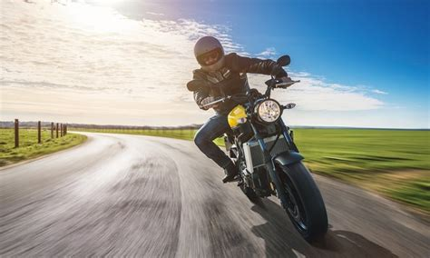 """What is """"No Contact"""" Motorcycle Accident?"""