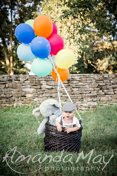 6 Month baby in basket with balloons photo at Knoxville